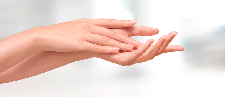 Hand surgery, filler substances (hyaluronic acids)